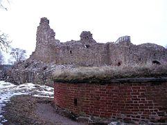 Kuusisto castle ruins 20050207.jpg